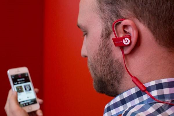 LG-Tone-Infinium-3.jpg