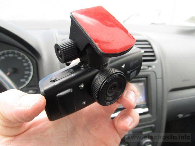 car_dvr_install00006.jpg