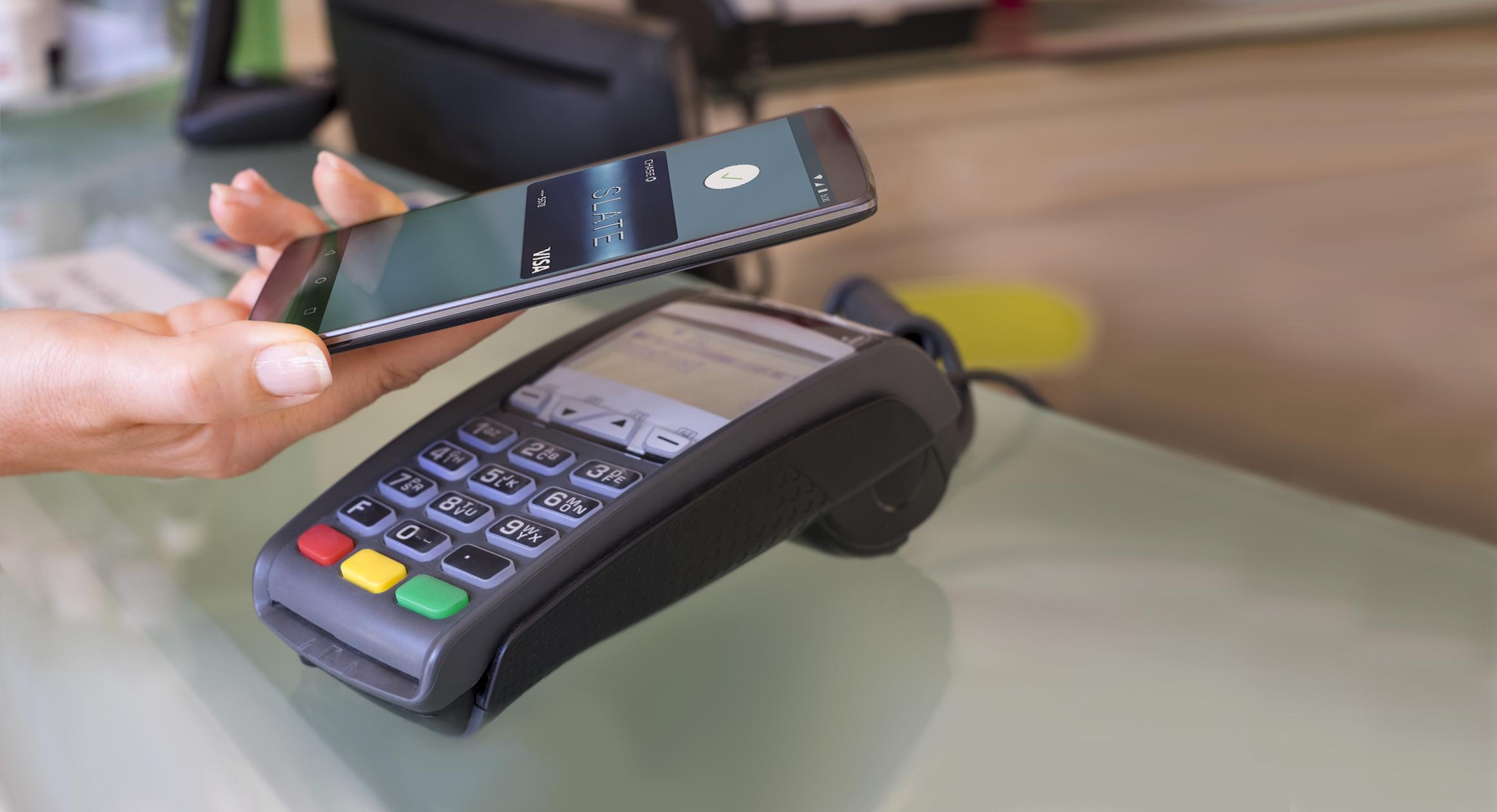 kartinka-1.-beskontaktnaja-oplata-pokupok-s-android-smartfona.jpg