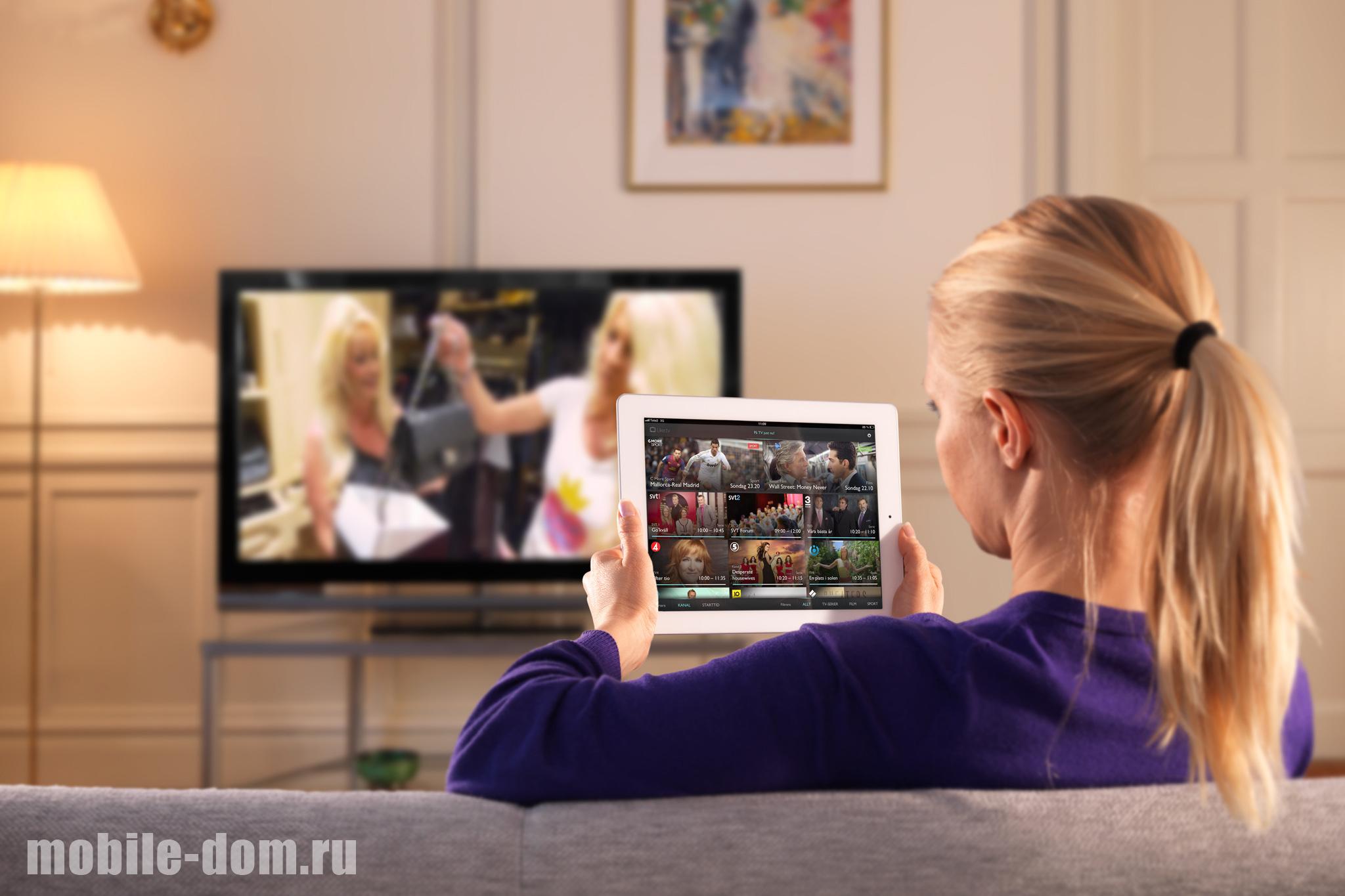 devushka-i-televizor.jpg