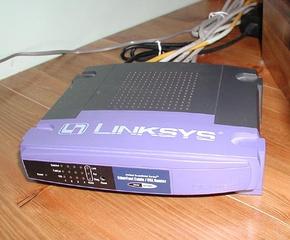 290px-Linksys_BEFSR41_Router_20040321.jpg