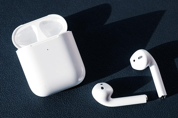how-to-connect-airpods-2-main-bg.jpg.pagespeed.ce.k5HQCdYHj8.jpg