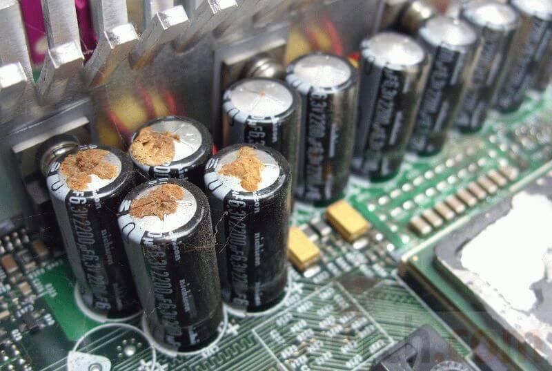 capacitors.jpg.7dfed58a73b818c453e4b8214a4e4e49.jpg