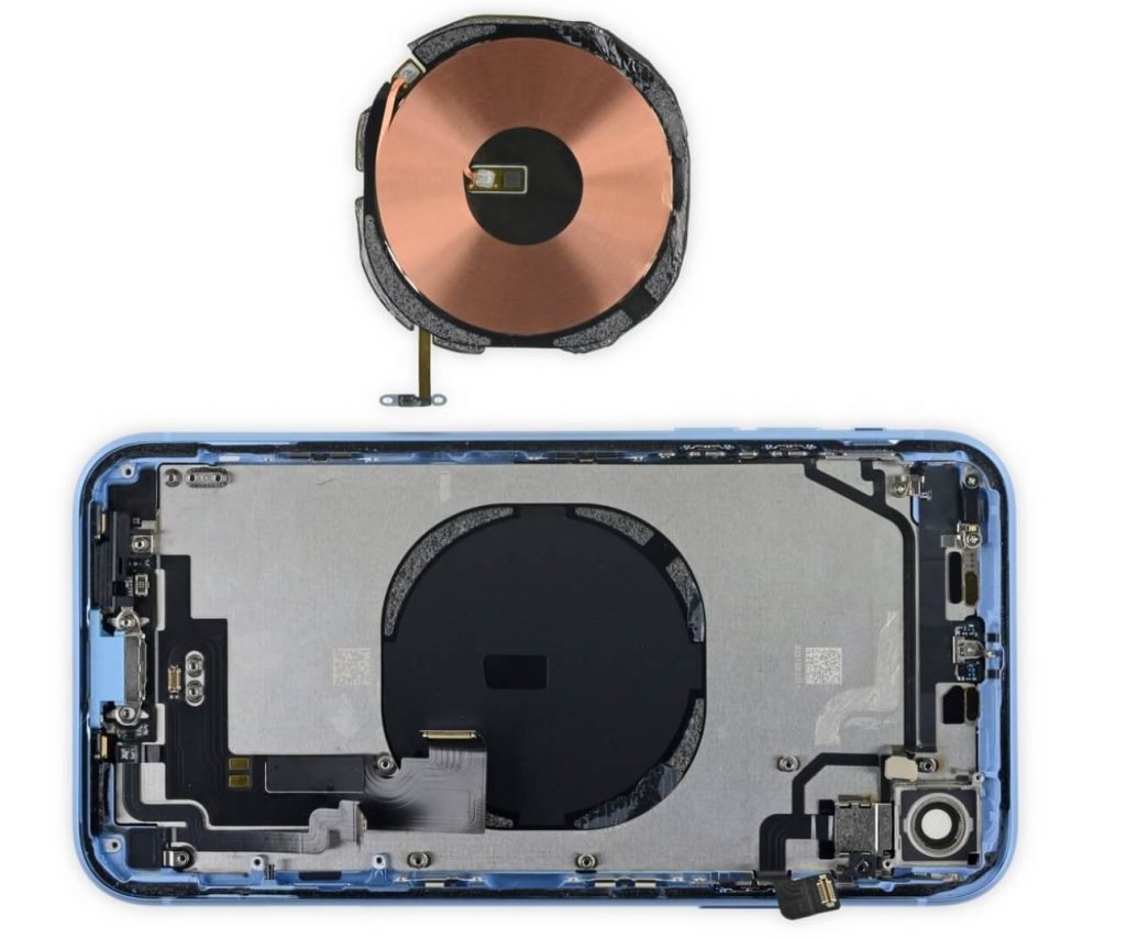 wireless-coil-inside-iphone-1024x853.jpg