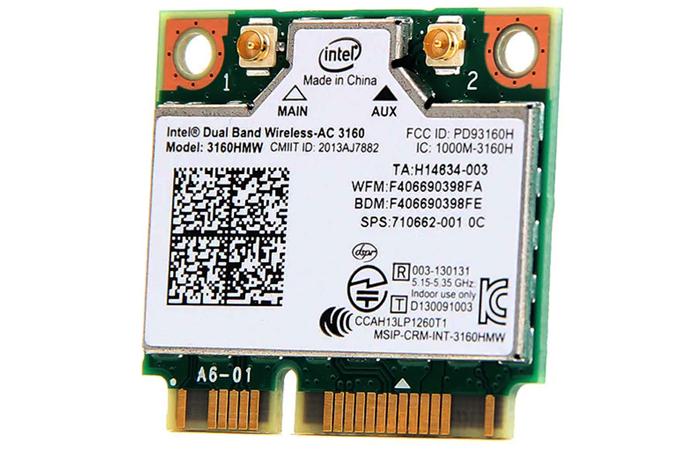 PCI-modul-ustanavlivaetsya-v-materinskuju-platu.jpg