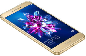 Ris.-1.-Smartfon-Honor-8-Lite-300x197.jpg